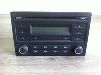 Volkswagen radio Rcd 200 basic blauw display
