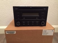 Volkswagen radio Rcd 200 basic rood display